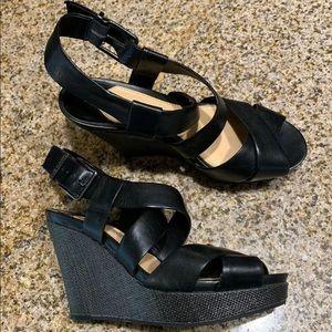 Gianni Bini Black Leather Wedge Sandals Sz 8M